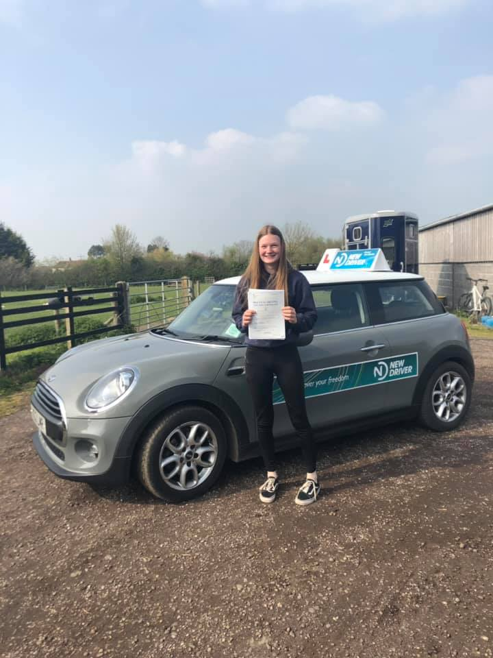Reason to drive driving instructor customer review April 2019. Picture of Alice Sandiford with Lauren Reason ADI's Mini