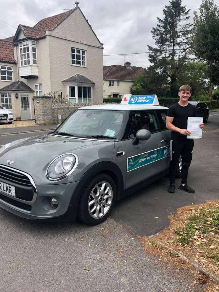 Reason to drive driving instructor customer review July 2019. Picture of Jonny Bougourd with Lauren Reason ADI's Mini