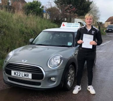 Reason to drive driving instructor customer review Feb 2020. Picture with Lauren Reason ADI's Mini